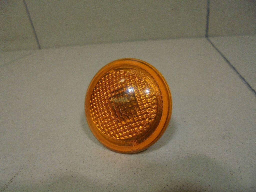 Повторитель на крыло желтый XGB000012