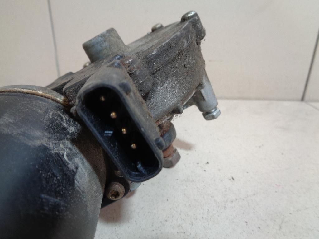 Моторчик стеклоочистителя передний 67638360603