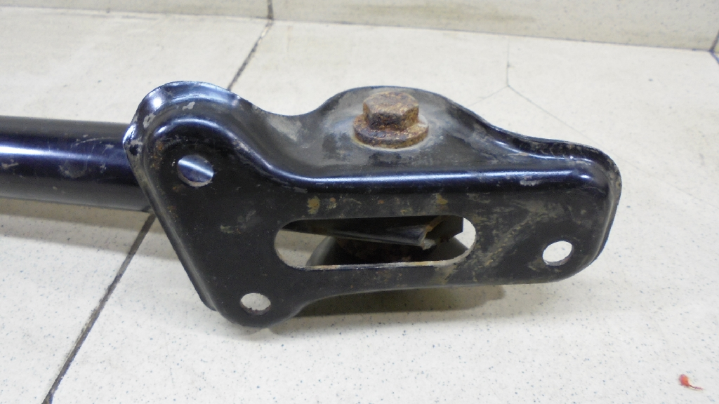 Тяга задняя продольная правая LR001175
