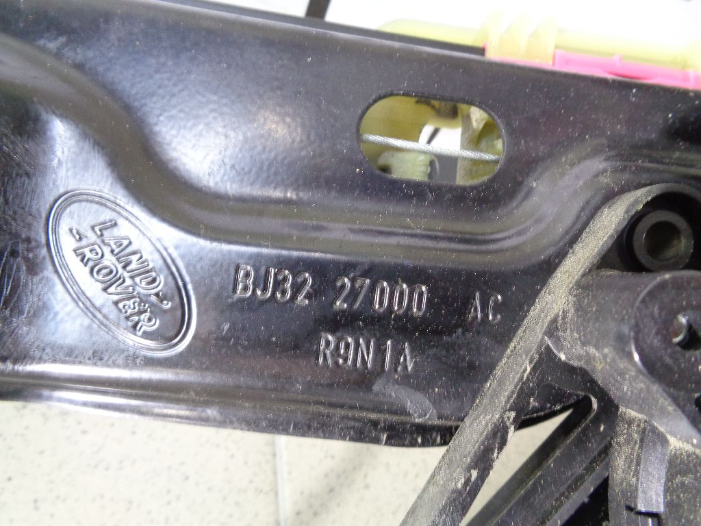 Стеклоподъемник электр. задний правый LR026717