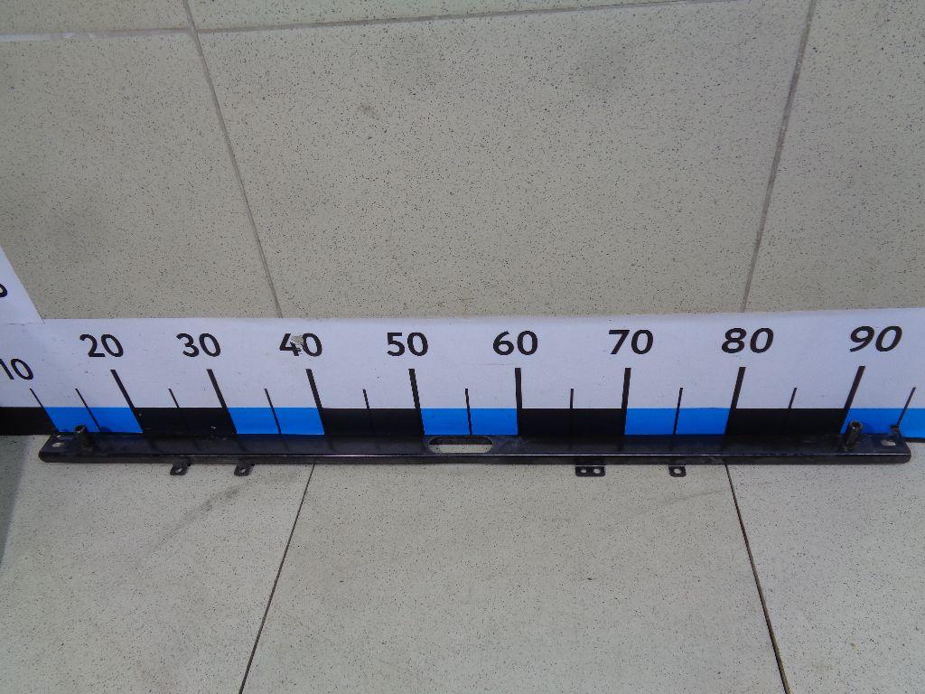 Кронштейн радиатора LR044300