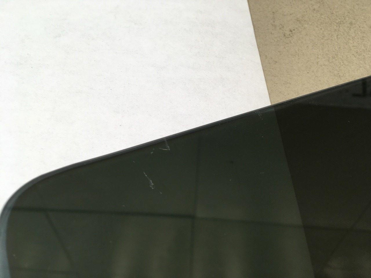 Стекло двери задней левой CVB500310