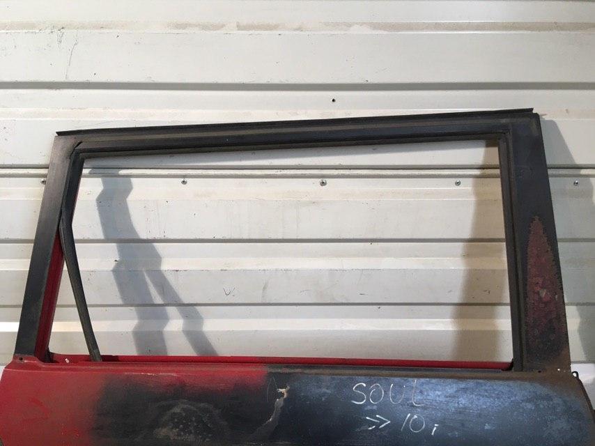 Дверь задняя правая 770042K010