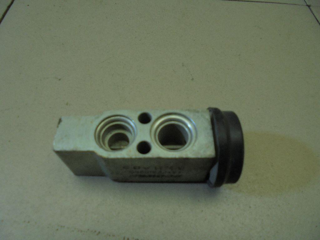 Клапан кондиционера 0K2N161570