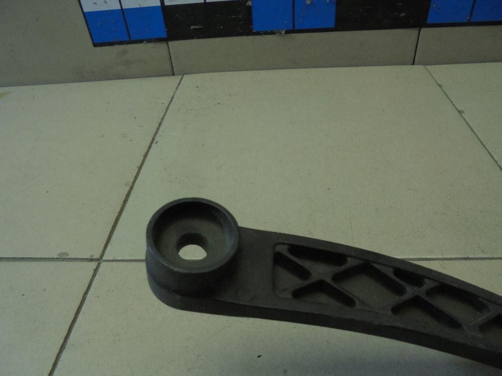 Поводок стеклоочистителя передний правый 983202P000