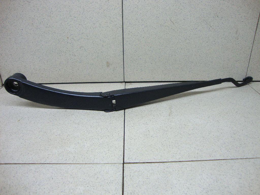Поводок стеклоочистителя передний левый 983102P000