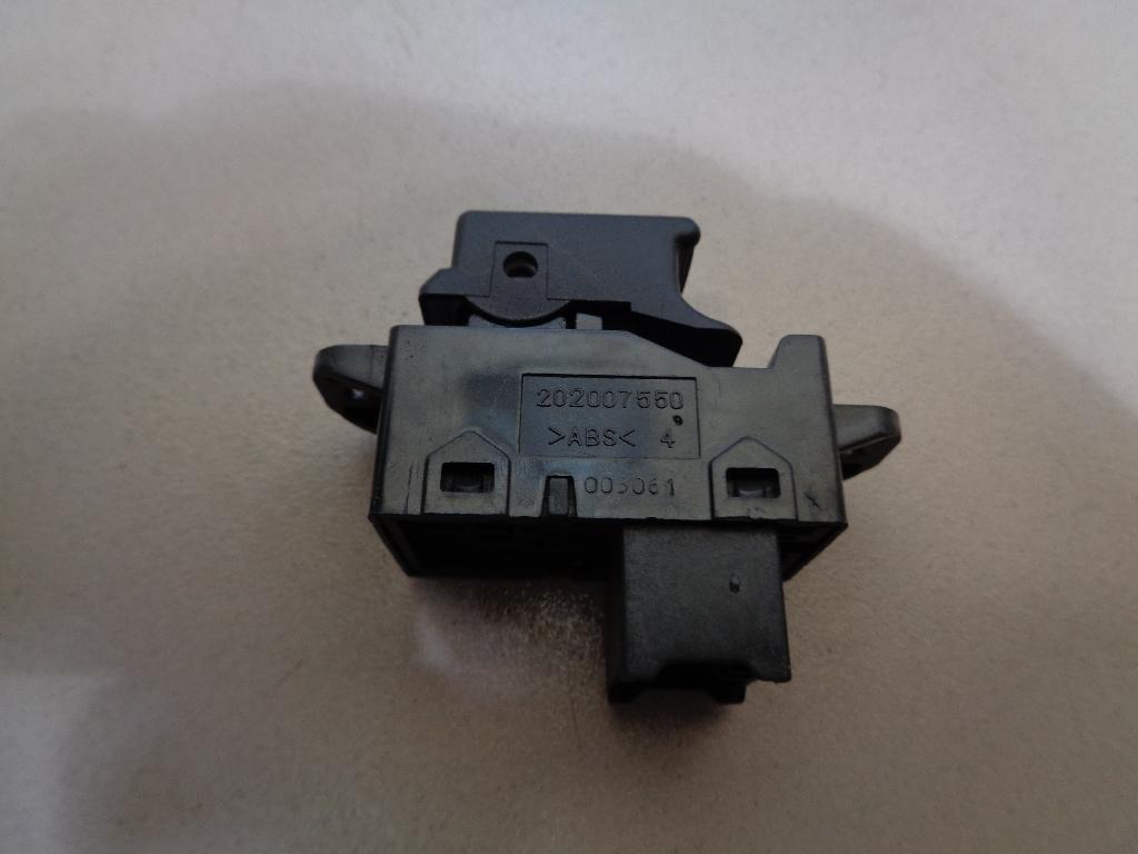 Кнопка стеклоподъемника 935832P000