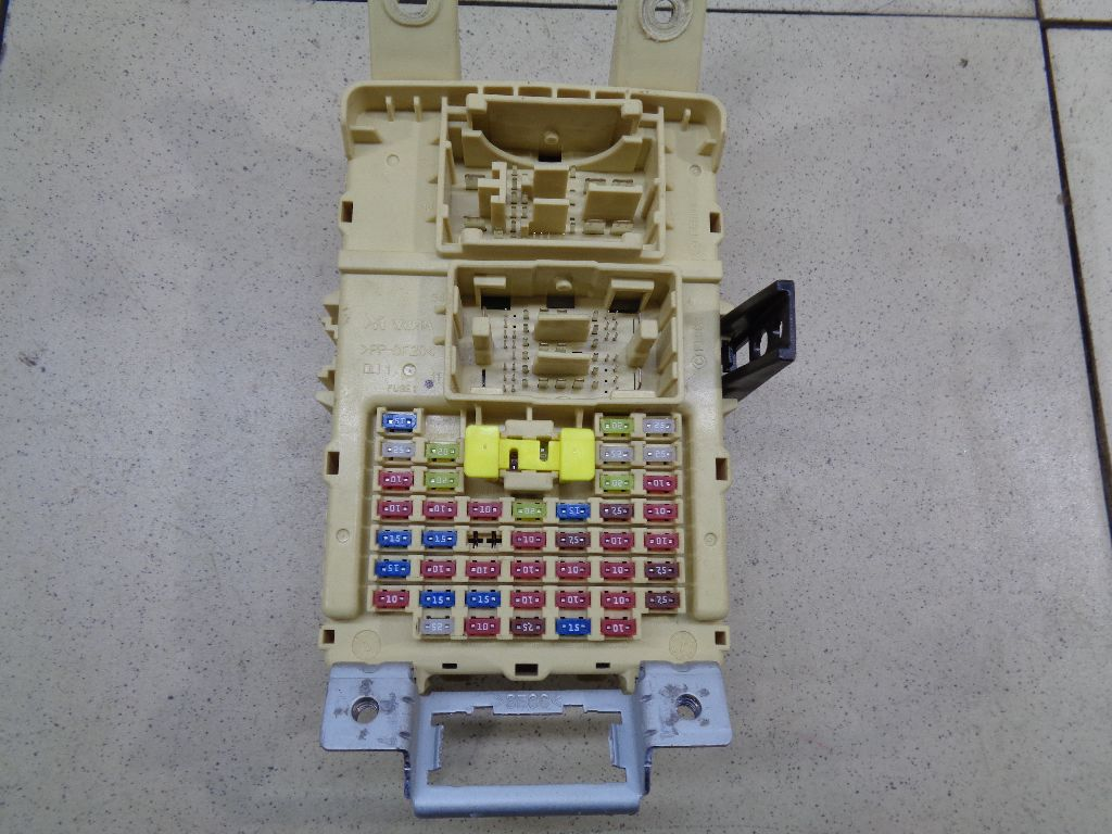 Блок предохранителей 91950H5510