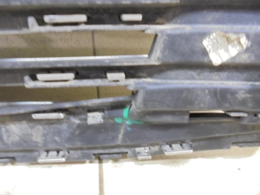 Решетка радиатора DS738200JF5JA6