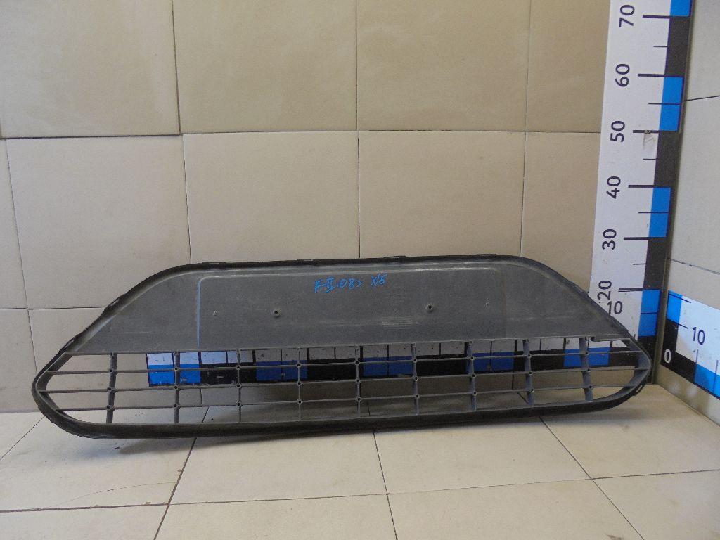 Решетка в бампер центральная 8M5117B968A