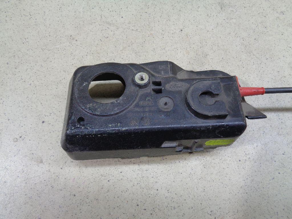 Ручка двери внутренняя левая 4S71F22601AB