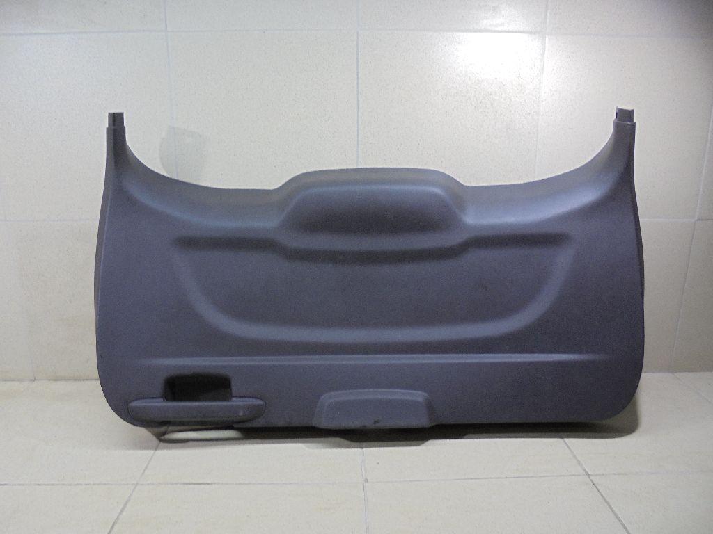 Обшивка двери багажника 2050451