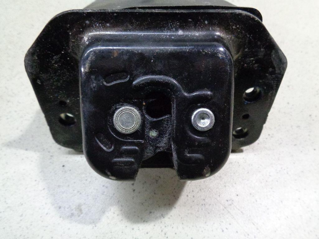 Замок багажника CJ5Z7843150A