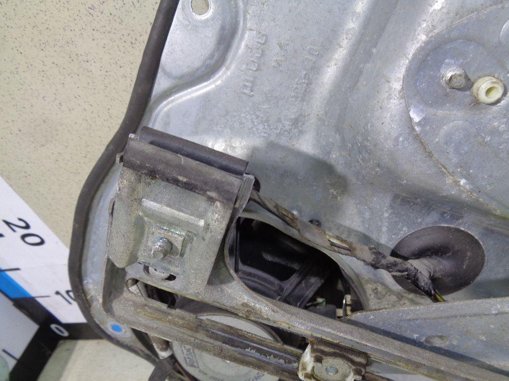 Стеклоподъемник электр. задний левый 1738647