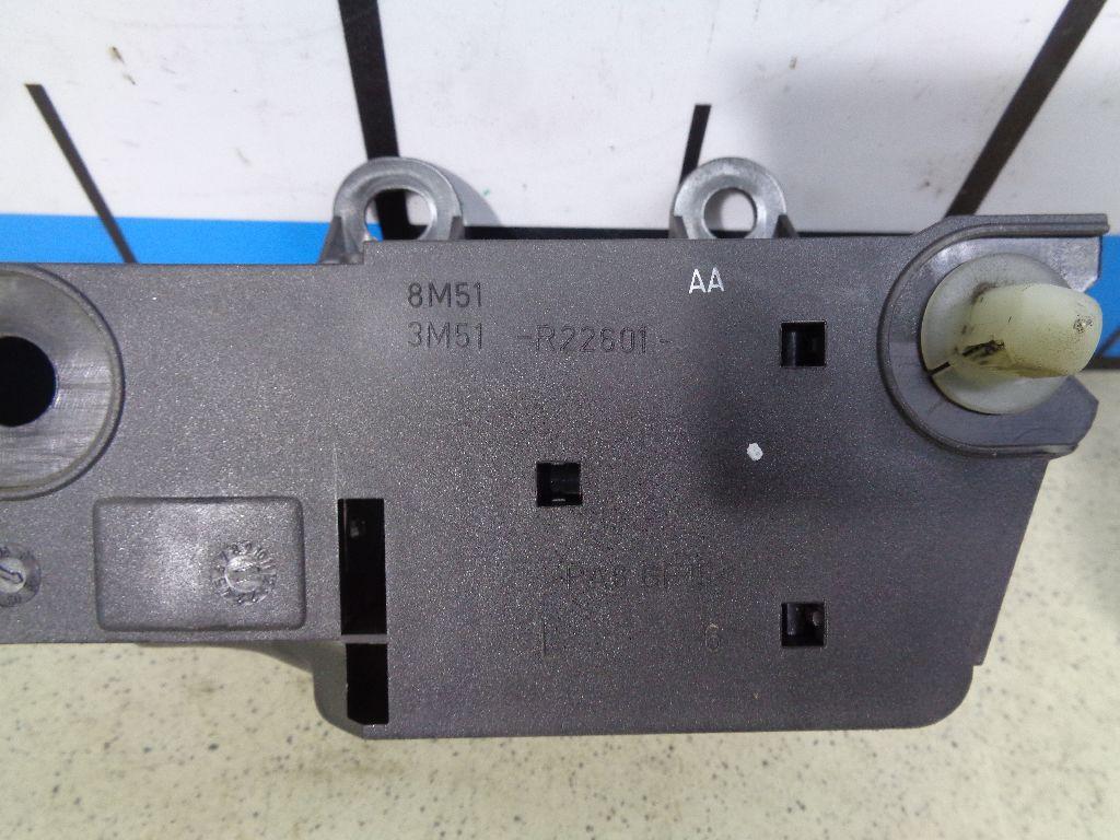 Ручка двери внутренняя левая 8M51R22601AA