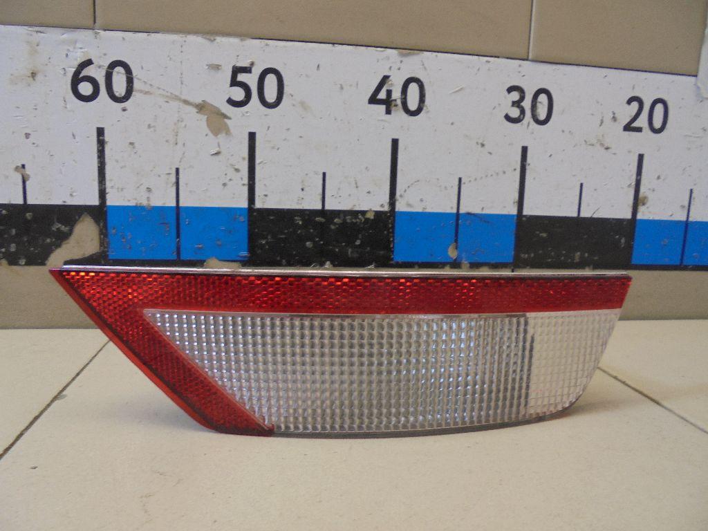 Фонарь задний в бампер правый 8V4115K272AB