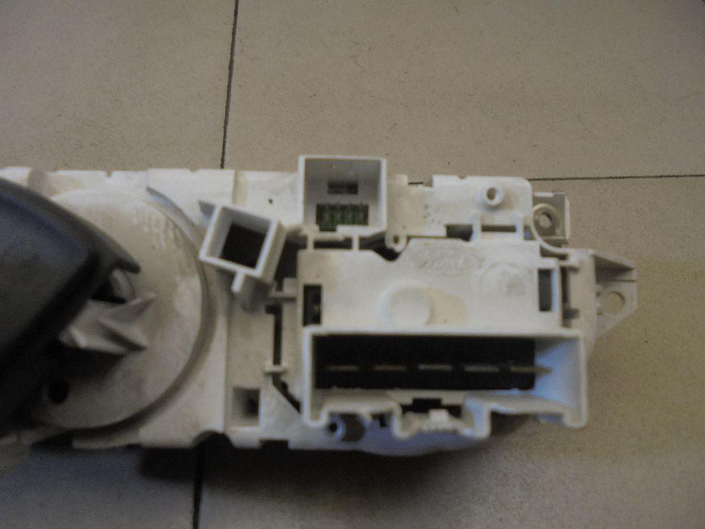 Блок управления отопителем 3M5T19980AD