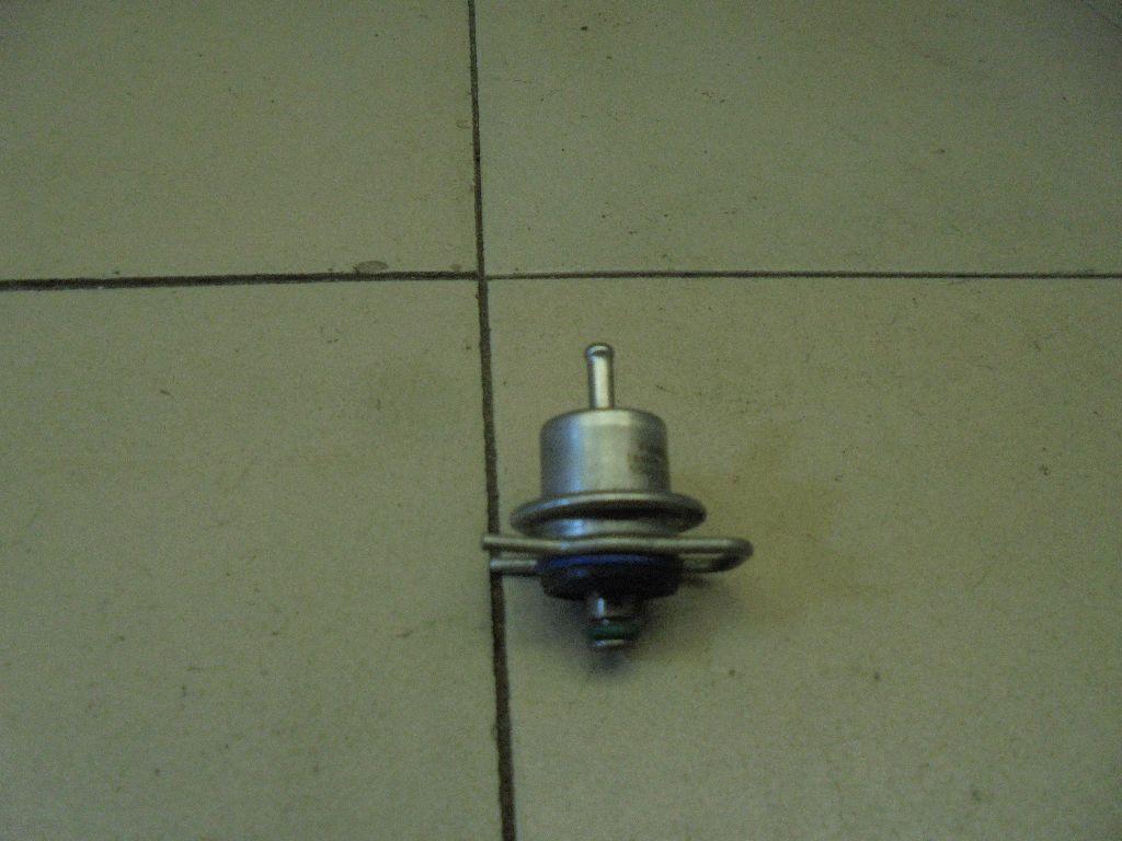 Регулятор давления топлива 5S6G9C968AA