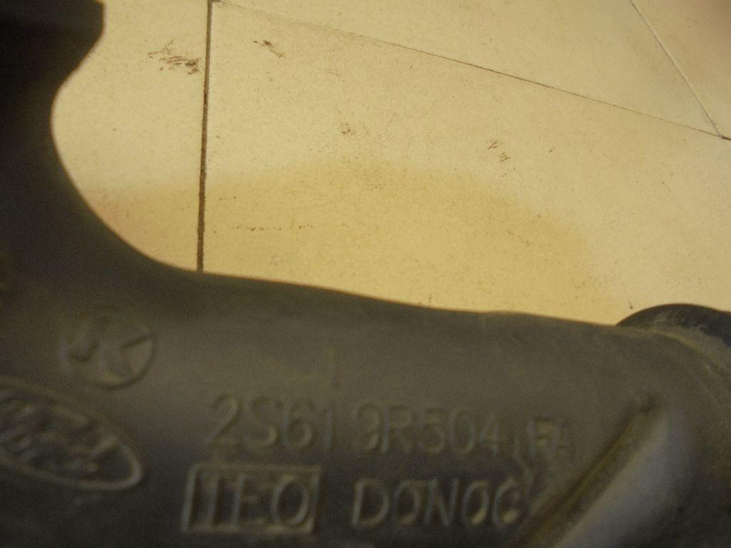 Патрубок воздушного фильтра 2S619R504FA