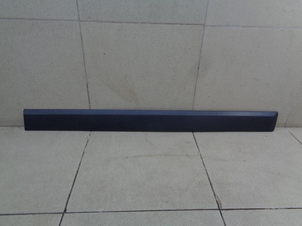 Молдинг передней правой двери 1765367