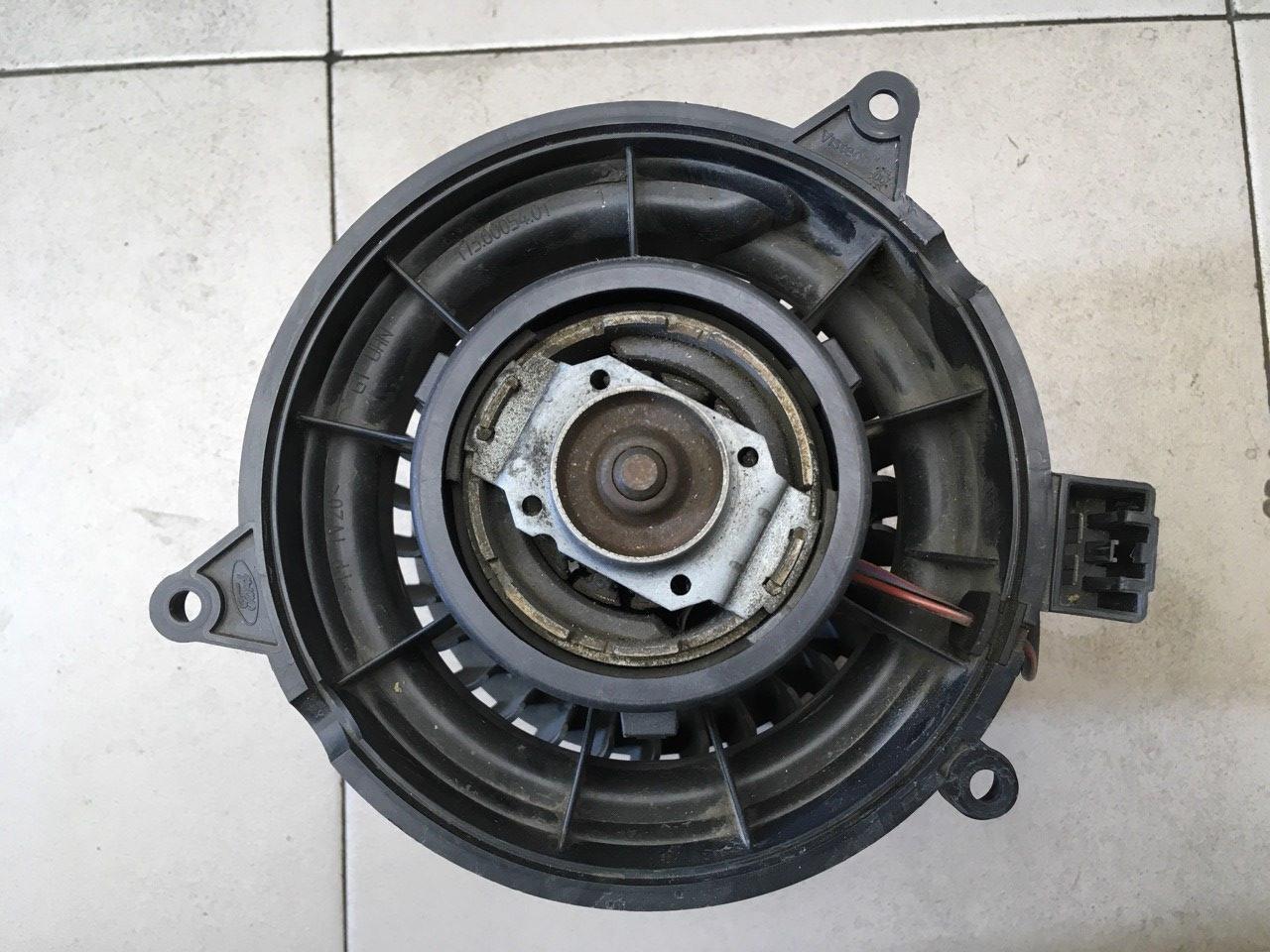 Моторчик отопителя 2S6H18456AD