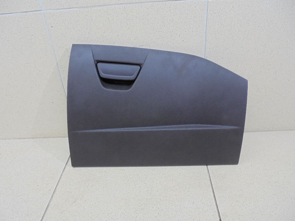 Крышка (дверца) бардачка 1750276