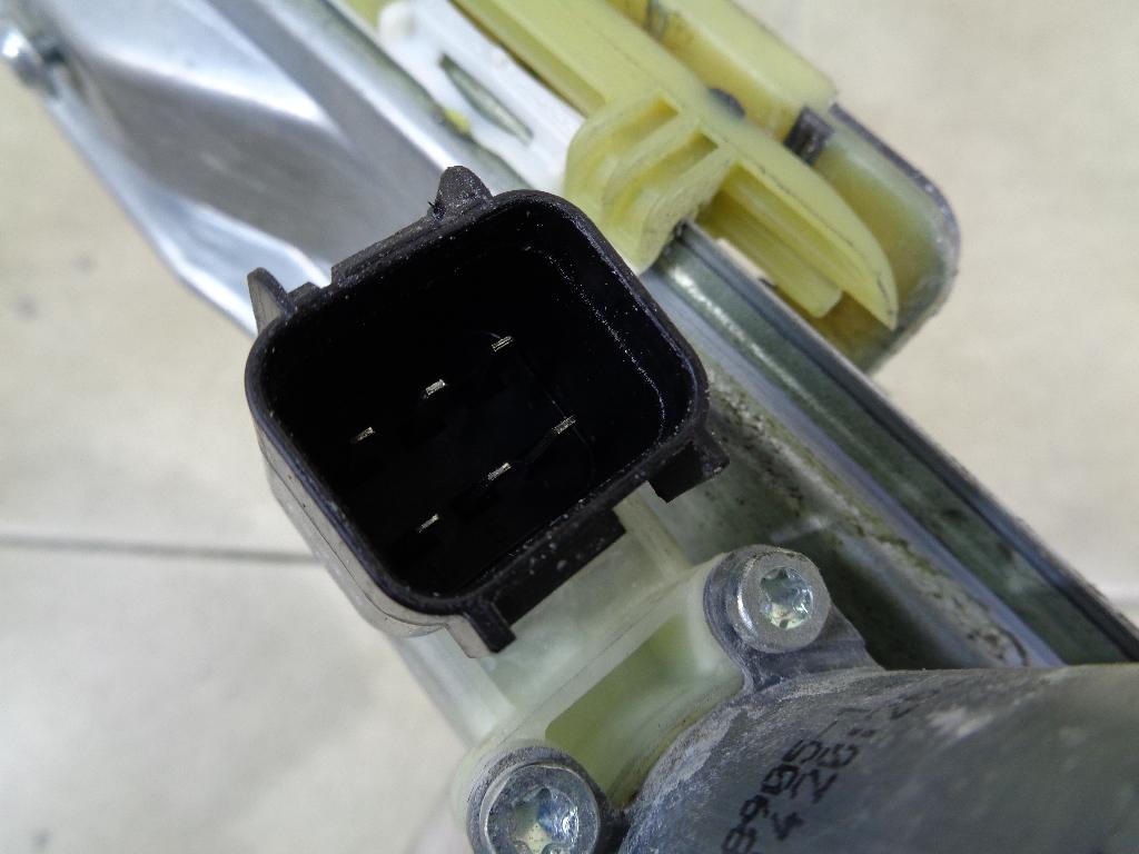Стеклоподъемник электр. задний левый BM51A27001BD
