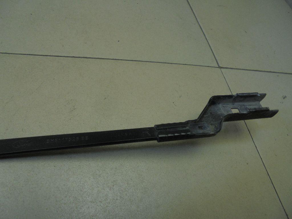 Поводок стеклоочистителя передний правый BM5117526BB