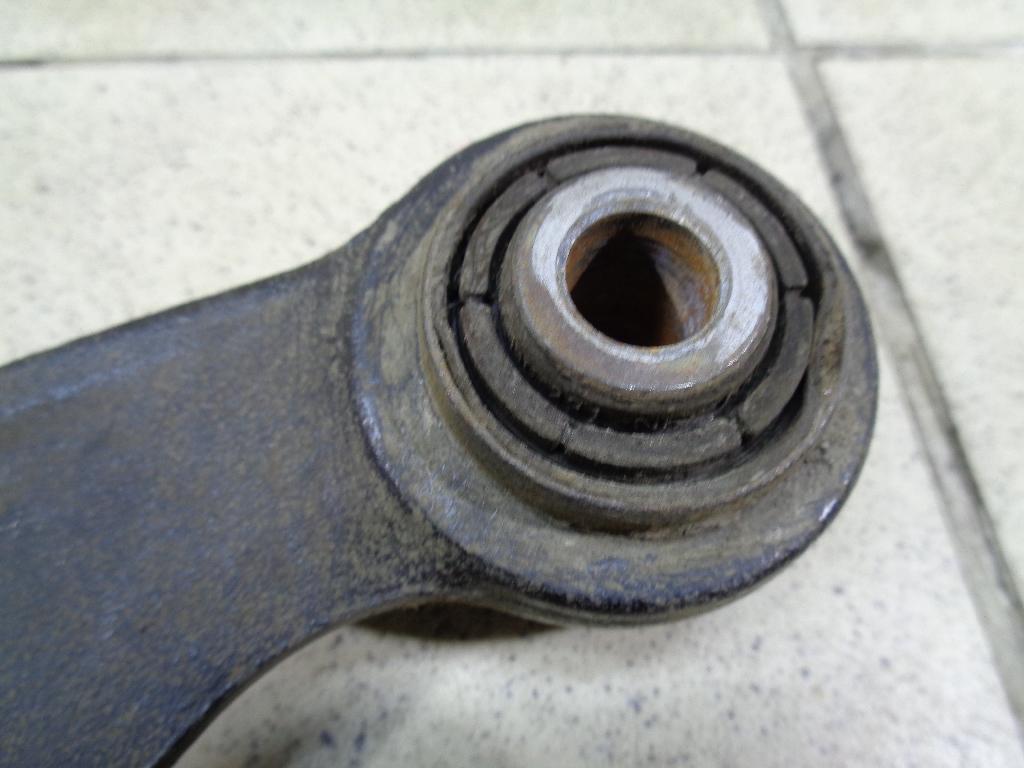 Рычаг задний верхний AV615500AC