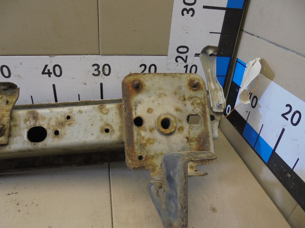 Усилитель переднего бампера 1113604