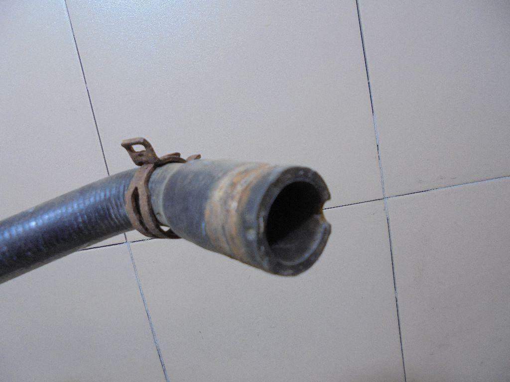 Патрубок радиатора 98AB8K289BJ