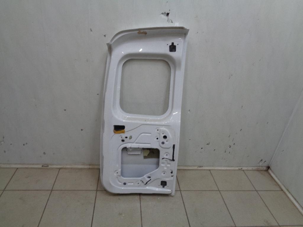 Дверь багажника правая 901005637R