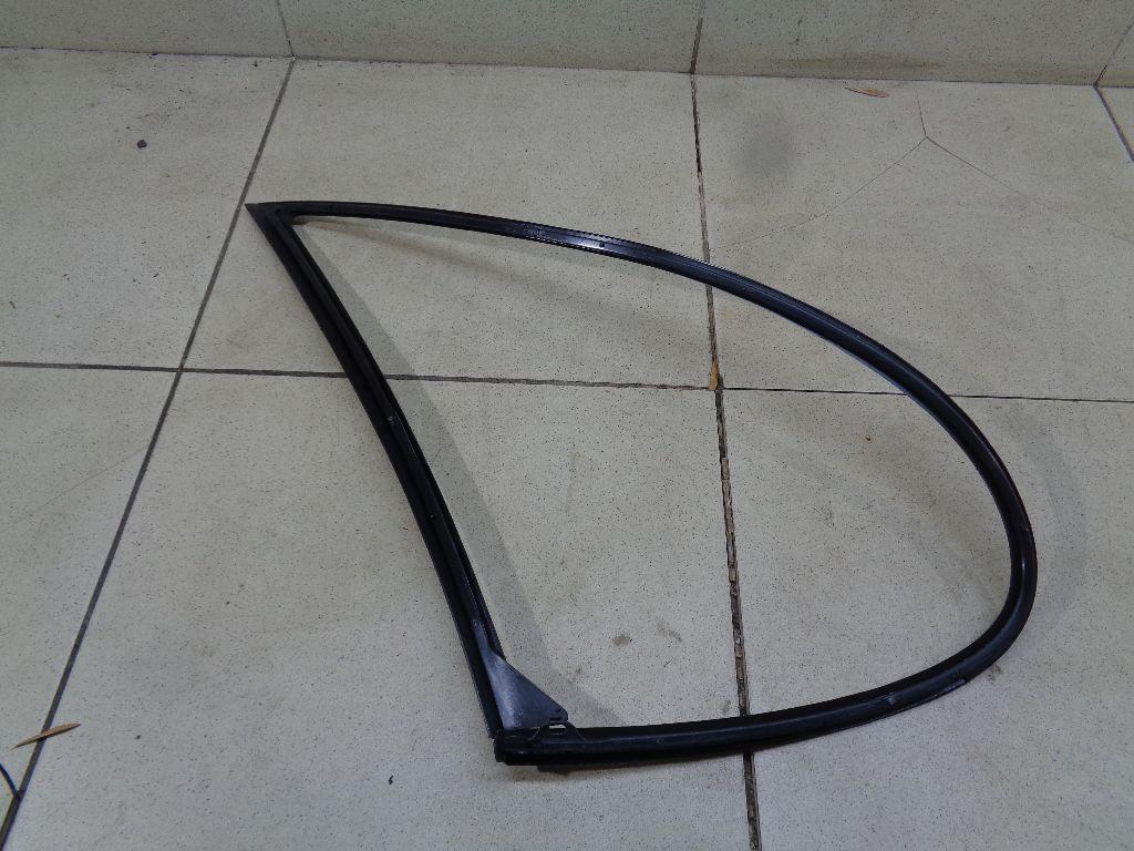 Уплотнитель заднего стекла 7700838527