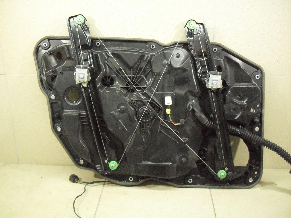 Стеклоподъемник электр. передний правый 7P6837462B