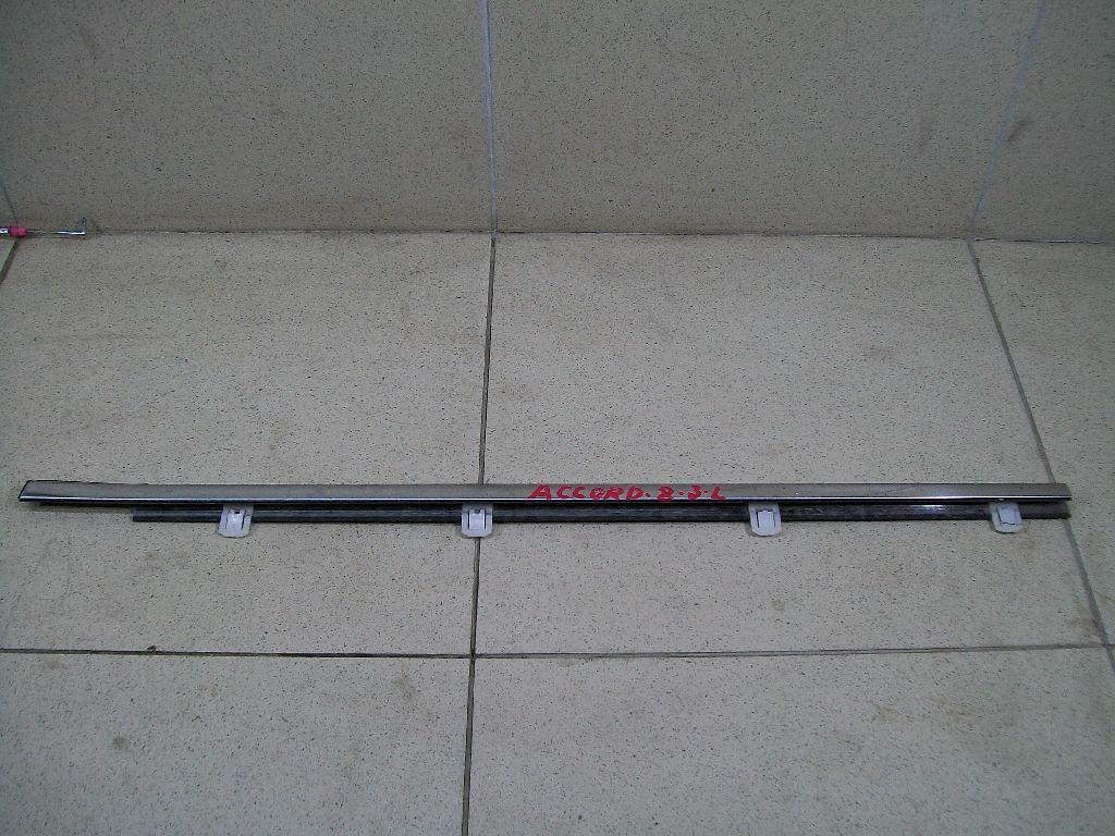 Накладка стекла заднего левого 72950TL0003