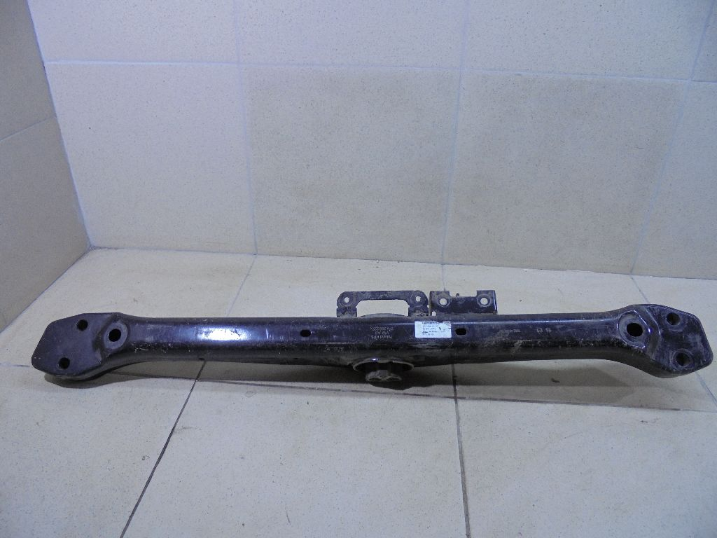 Кронштейн КПП 7P6399225C