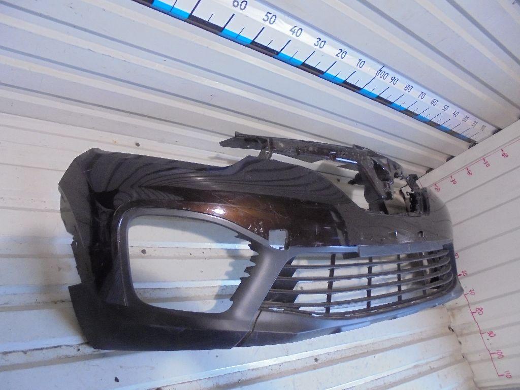Бампер передний 620222535R
