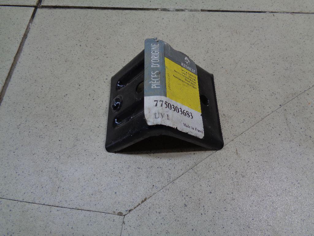 Кронштейн заднего бампера 7750303683