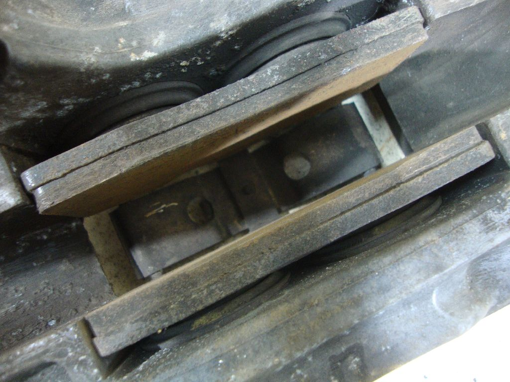 Суппорт тормозной передний правый 7L6615150A