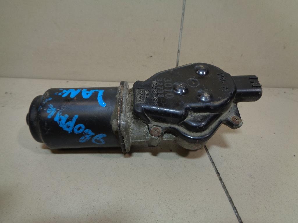 Моторчик стеклоочистителя передний MR957879