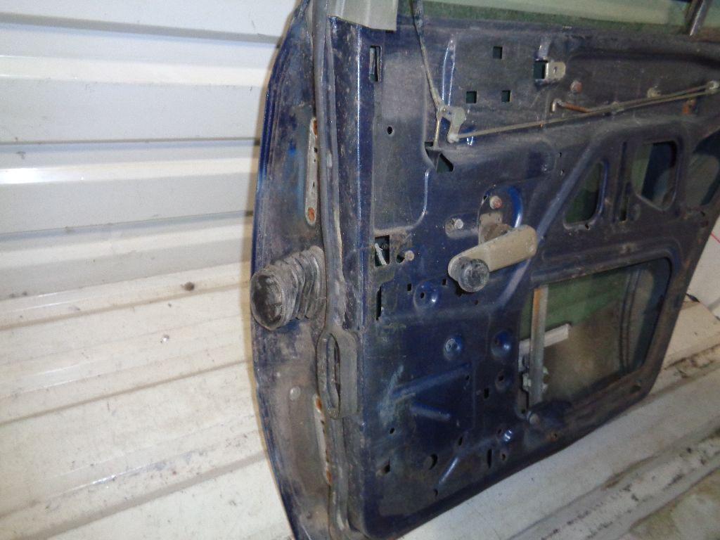 Дверь задняя правая 1247301805