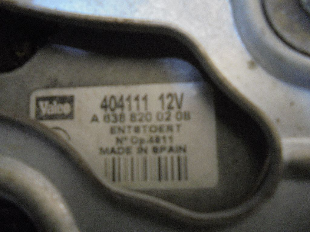 Моторчик стеклоочистителя задний 6388200208