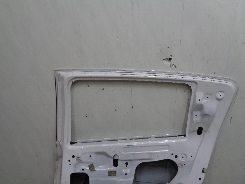 Дверь задняя правая 96893537