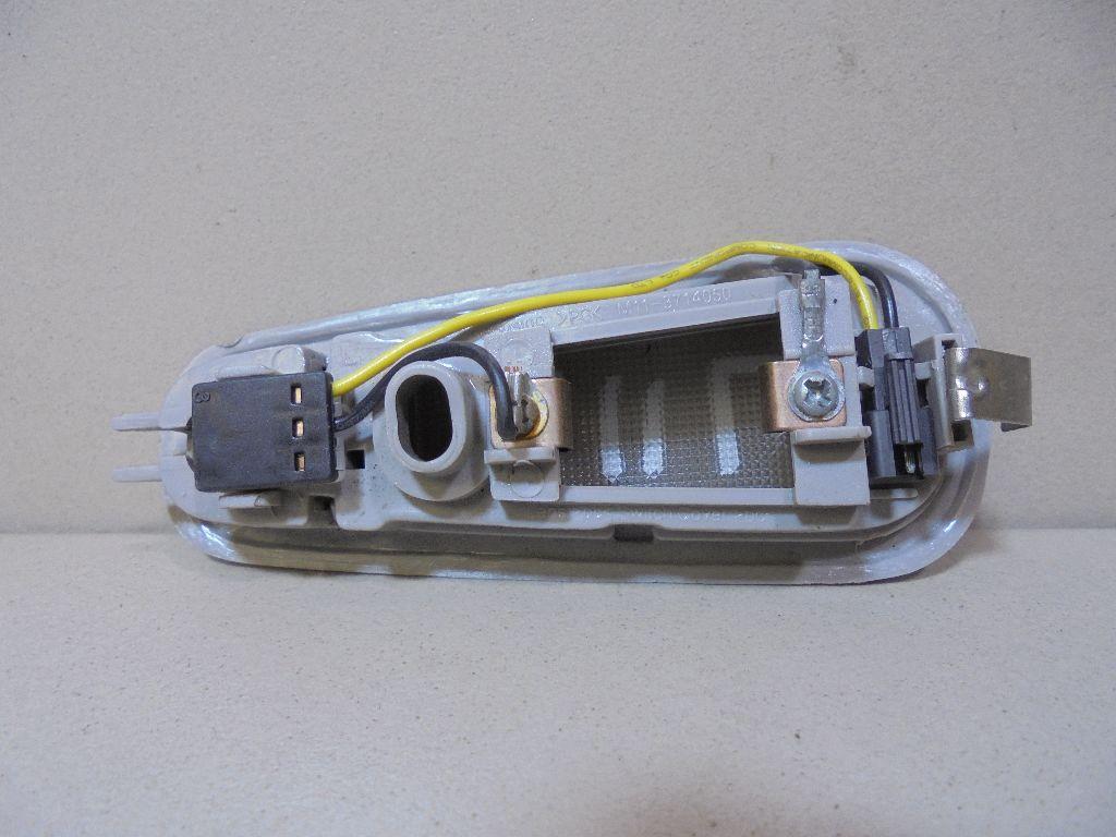 Плафон салонный M113714050