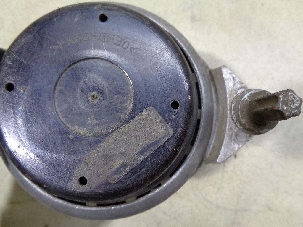 Опора двигателя 22116760330