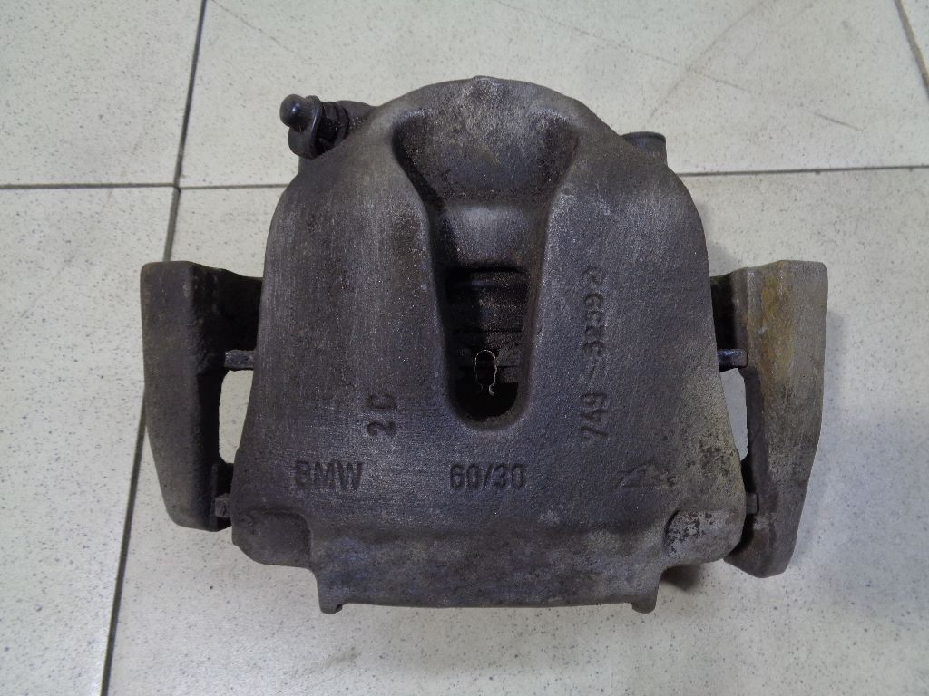 Суппорт тормозной передний левый 34116776783
