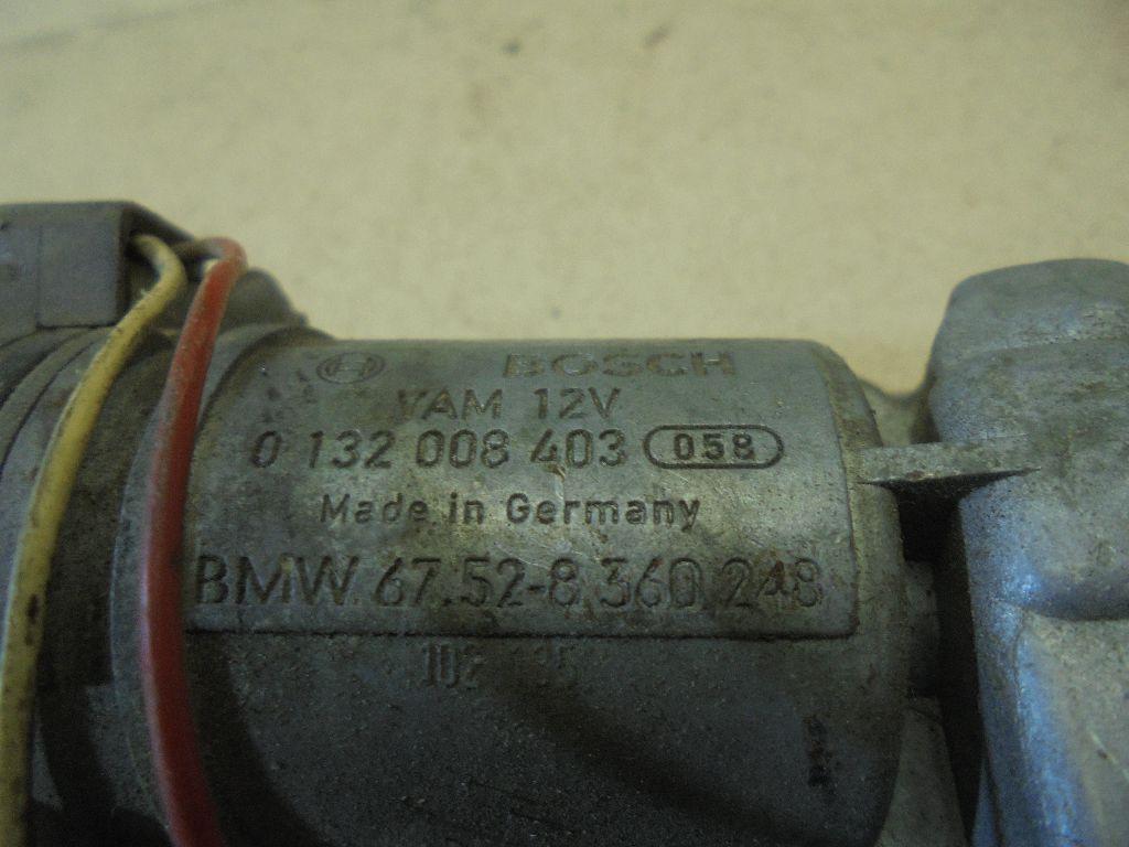Моторчик стеклоочистителя передний 0132008403