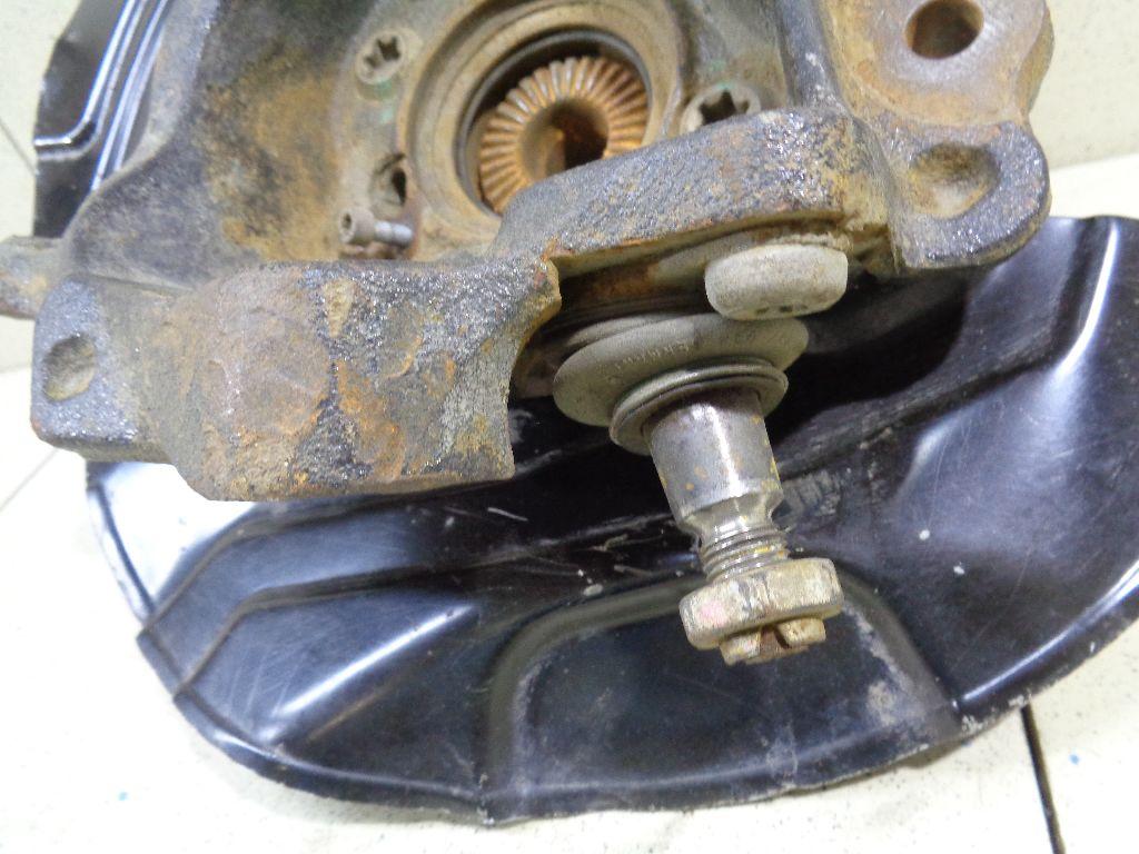 Кулак поворотный передний правый 31216788700
