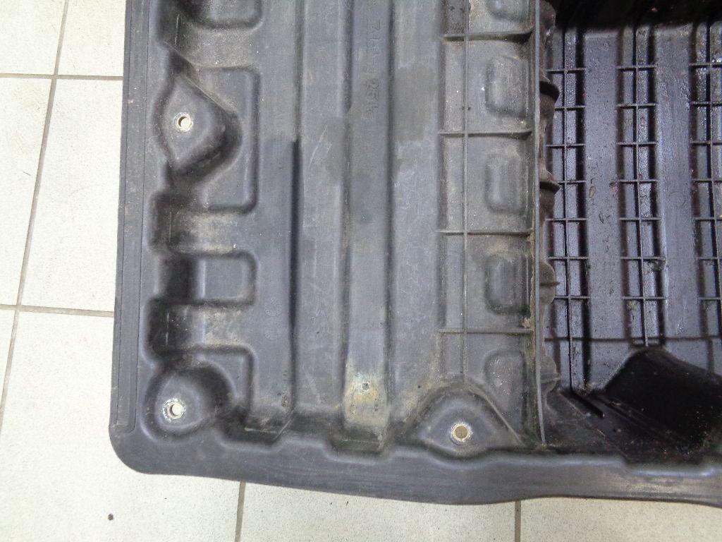 Контейнер в багажник 51717120020