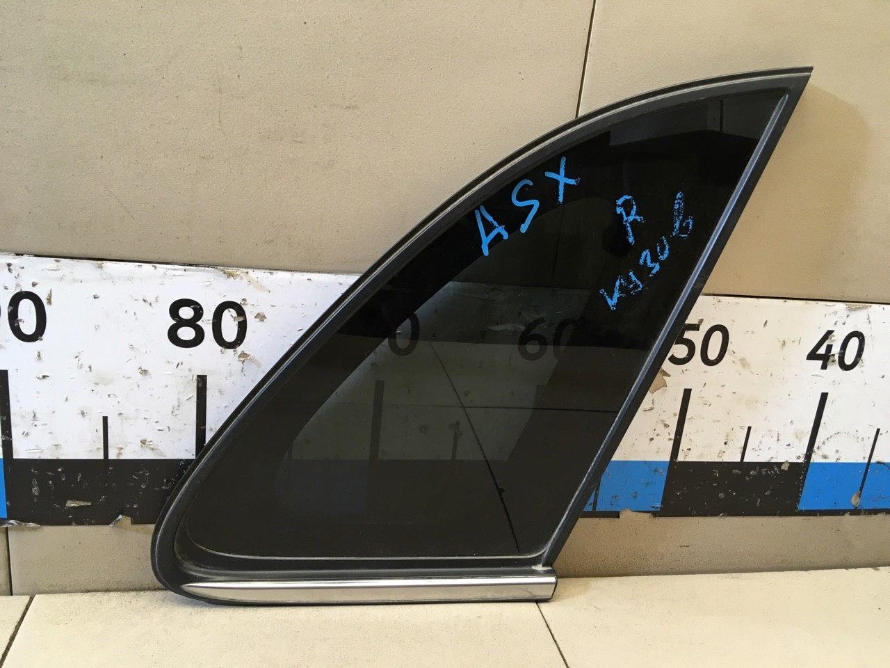 Стекло кузовное глухое правое 6121A318